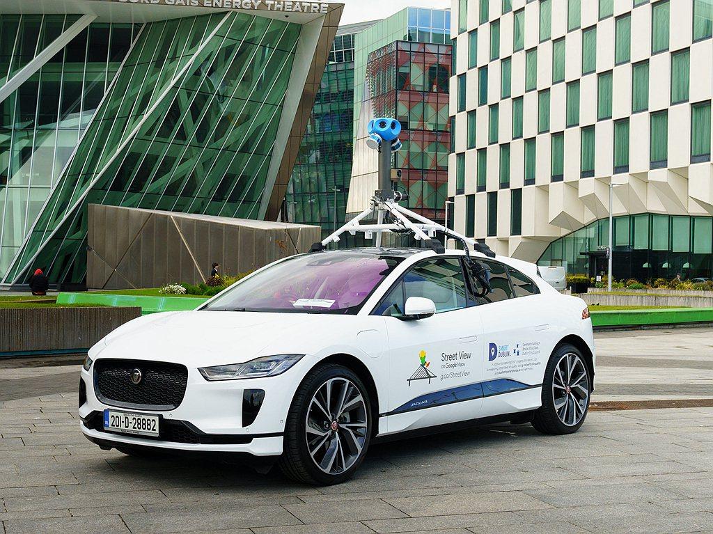 Google科技研究的合作夥伴們將分析數據並繪製街道空氣污染圖。Jaguar L...