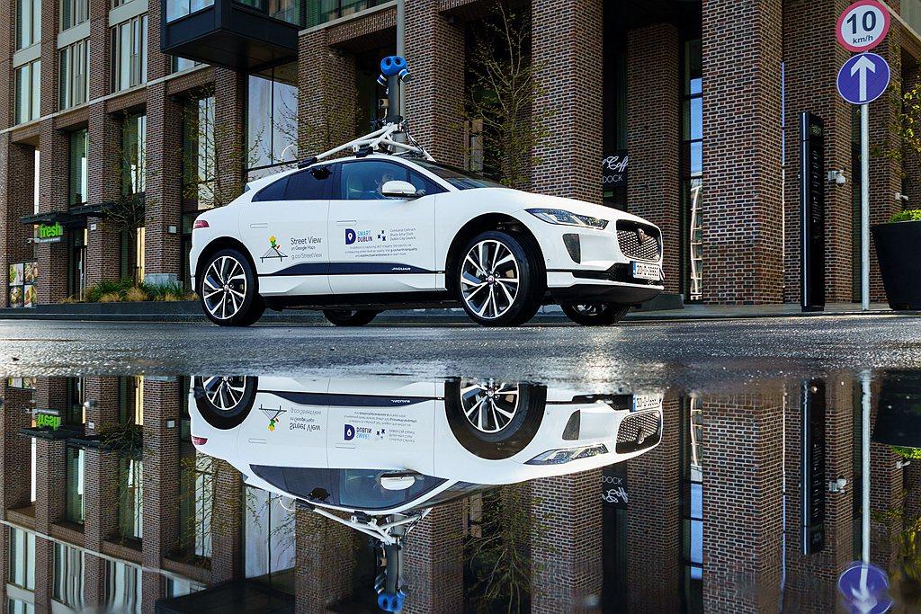 Jaguar Land Rover企業發展專案經理Elena Allen表示:「...