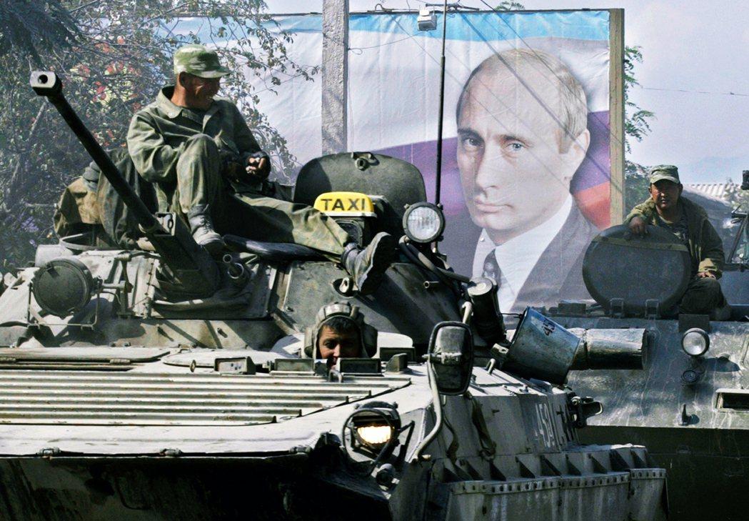 卡內基莫斯科中心主任特列寧(Dmitri Trenin)認為,俄羅斯於邊境屯兵旨...