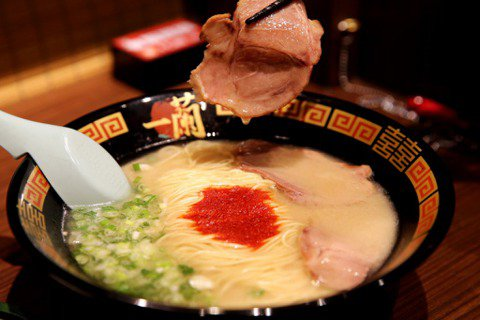 陳頤華/日本B級美食進化史:從街頭到全球的拉麵精神