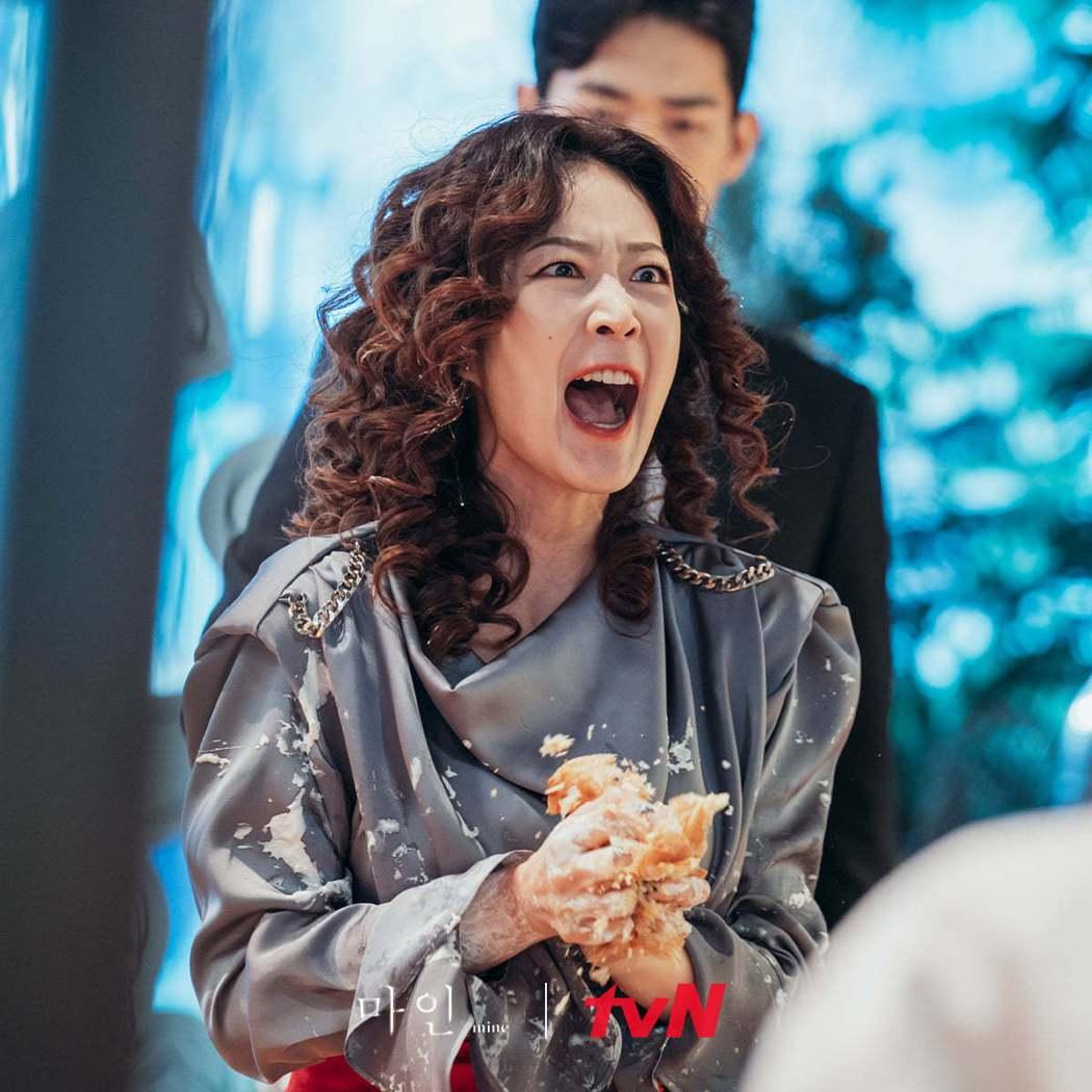 金惠華飾演梟遠集團的長女「韓振曦」。圖/擷自tvN 드라마(Drama)臉書