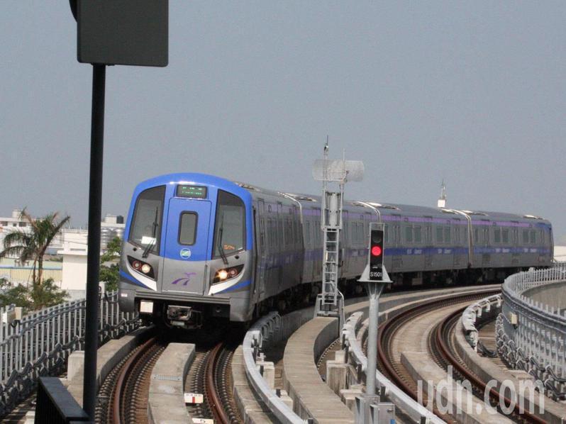 桃園機場捷運運量銳減,桃園捷運發布6月5日起普通車減班。記者曾增勳/攝影