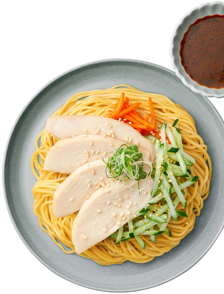 「請客樓-川味酸辣雞肉冷麵」,售價79元;6月2日至6月15日OPEN POIN...