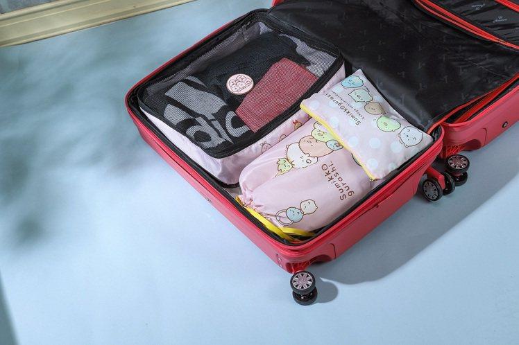 momo購物網6月推出「角落小夥伴」集點加價購活動,「角落小夥伴說走就走旅行三件...