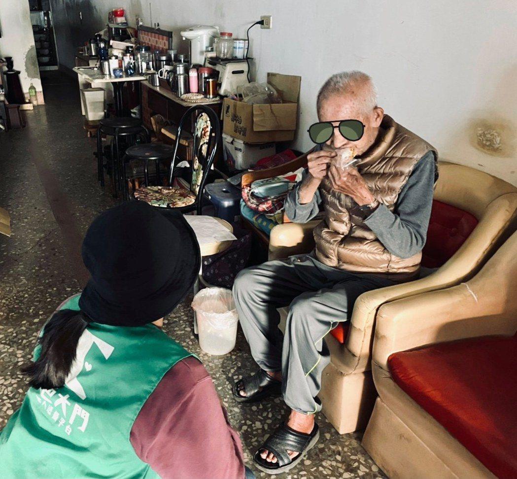 高齡化在嘉義不僅是數字,更是一種日常生活。  圖/銀色大門提供