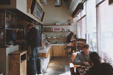 聆聽白噪音,為WFH增添氛圍:從咖啡廳、酒吧到辦公室,那些讓你開始想念的社交情境
