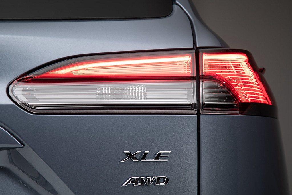 美規Toyota Corolla Cross XLE車型還具備AWD四輪驅動系統...