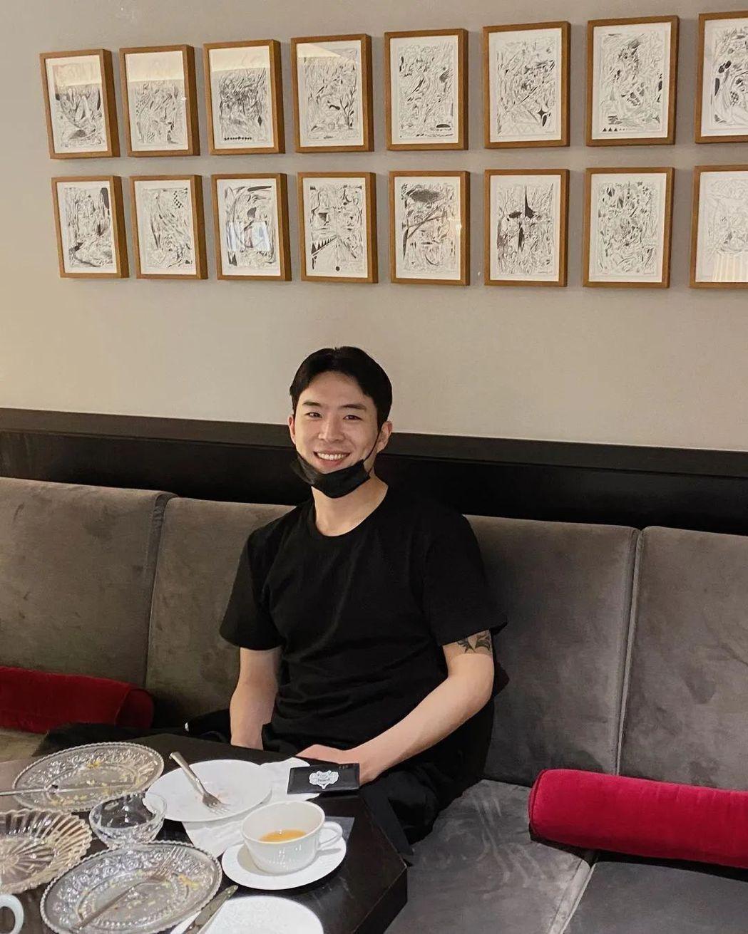 韓藝瑟日前公開認愛的嫩男友神似李帝勳。圖/摘自IG