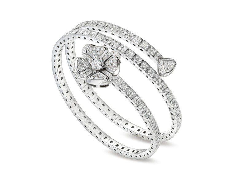 BVLGARI Fiorever系列白K金鑽石手鐲,共S、M、L三款尺寸,約11...