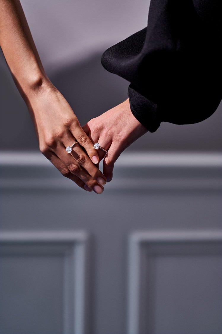 Tiffany2021愛和訂婚系列形象廣告,(由左至右)Tiffany True...
