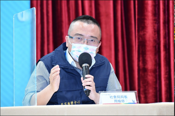 北市社會局長周榆修今表示,目前台北市住宿型機構,包括身障機構等,一共有3900位工作同仁,後天6月4日起,將比照基層醫護順位,優先施打疫苗。圖/北市府提供