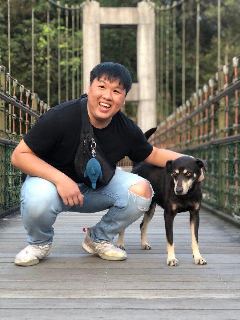 海大資工系的顧賀翔第一次參與WWDC學生挑戰賽就獲獎。圖/海大提供