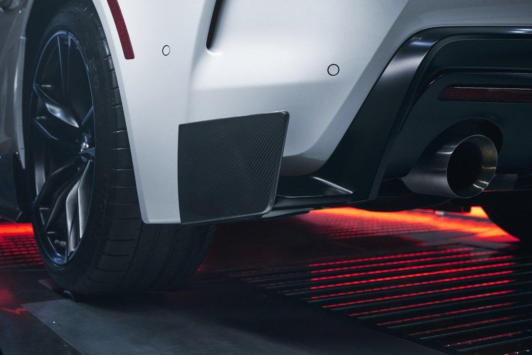 GR Supra A91-CF Edition碳纖維後分流器。 圖/Toyota...