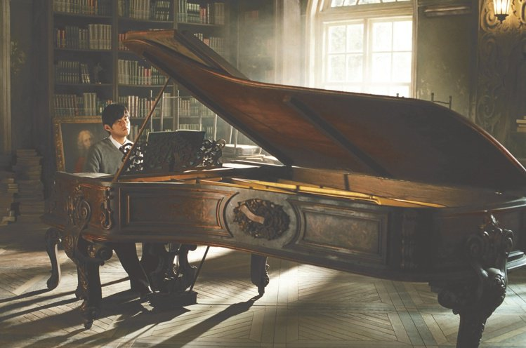 周杰倫電影「不能說的秘密」中亮相的骨董鋼琴。圖/蘇富比提供