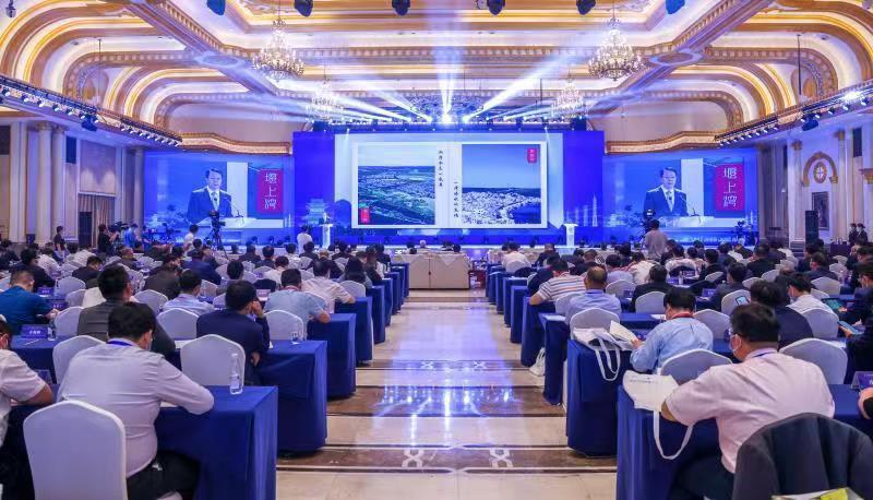 長三角兩岸企業家溱湖論壇5月31日在江蘇泰州舉行。