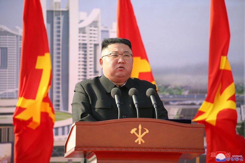 北韓目前有專責網路攻擊的「121局」,旗下有6000名駭客,從白俄羅斯、中國大陸、印度、馬來西亞和俄國等地發動攻擊。圖為北韓領導人金正恩。路透