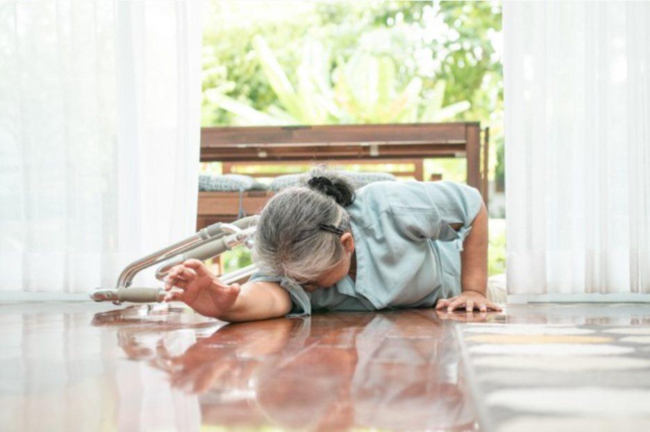 老年人平日可多做增加肌力的運動,才不致因為不敢動,造成肌肉無力的情形惡化。 圖/...