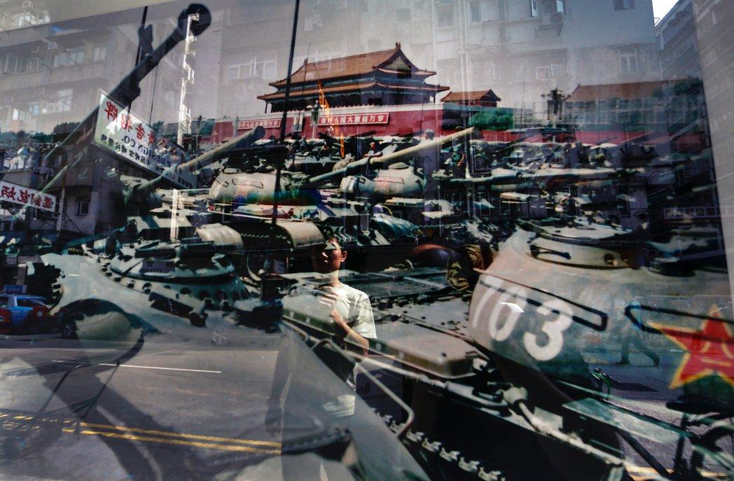 香港警務處卻高調動員了7,000名港警部隊,揚言封鎖維園、全力在六四當夜掃蕩「任...