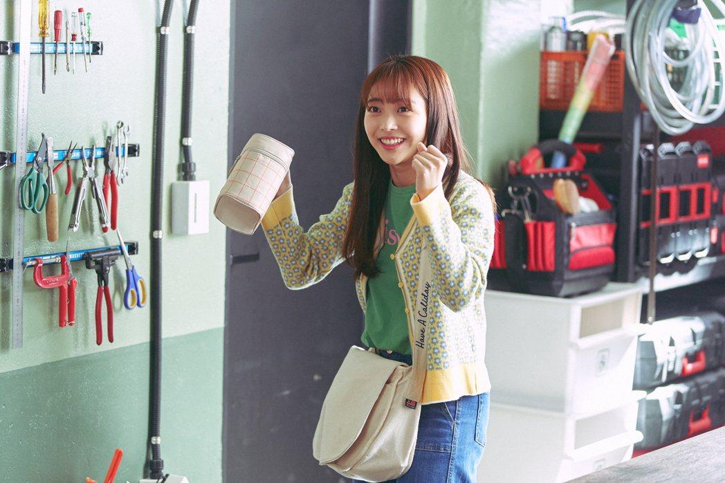 「我是遺物整理師」劇照,洪承希飾演可魯的好友兼鄰居「尹樹木」。圖/Netflix...