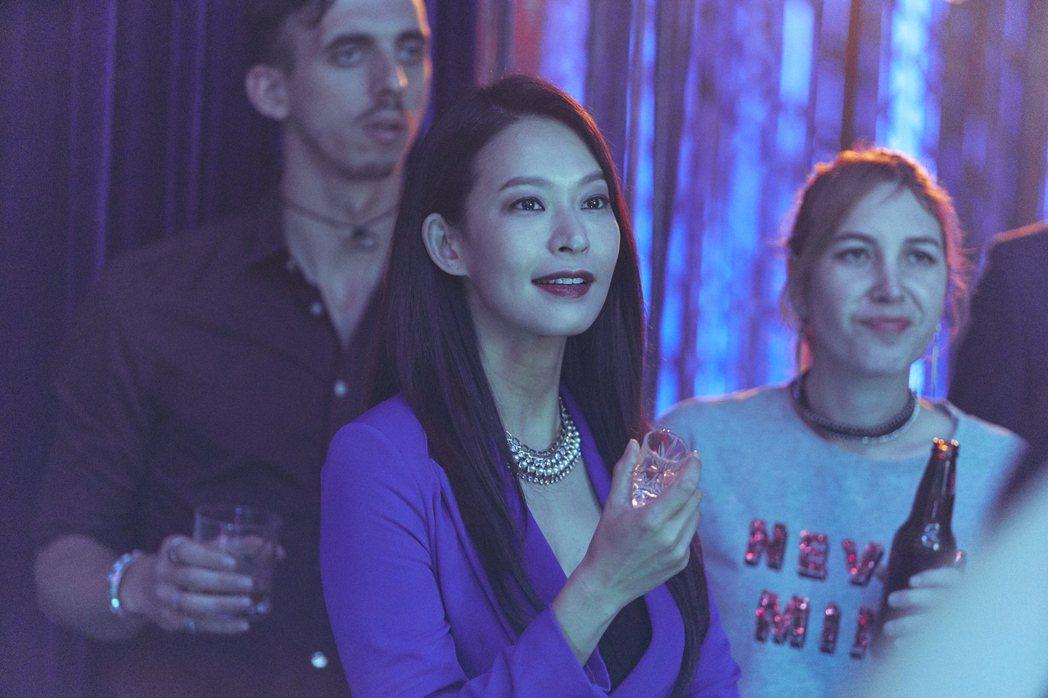 「我是遺物整理師」劇照,鄭愛妍飾演「鄭夫人」圖/Netflix提供