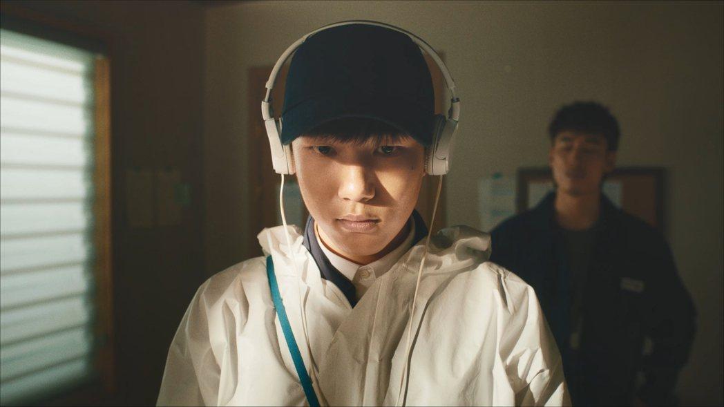 「我是遺物整理師」劇照,陳俊翔在片中飾演患有「亞斯伯格症」的可魯。圖/Netfl...