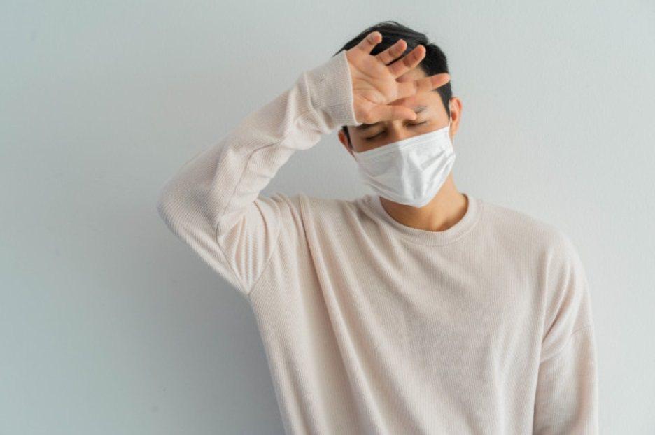 人體好比一個戰場,免疫系統就像駐紮在身體裡的軍隊,在與襲來的病毒、細菌「作戰」時...