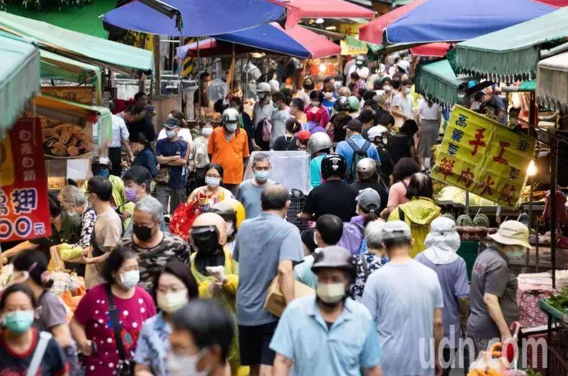 疫情考驗縣市長統籌防疫作戰能耐,傳統市場更是重中之重。 圖/聯合報系資料照片