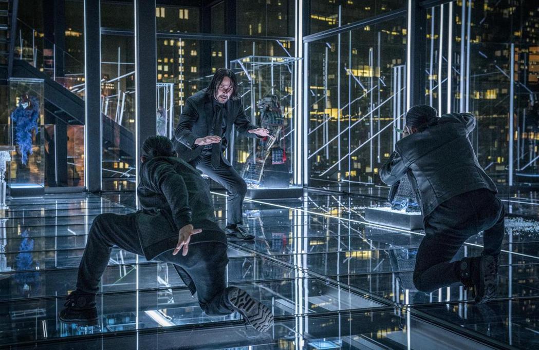 基努李維在「捍衛任務」系列常有激烈打鬥。圖/摘自imdb