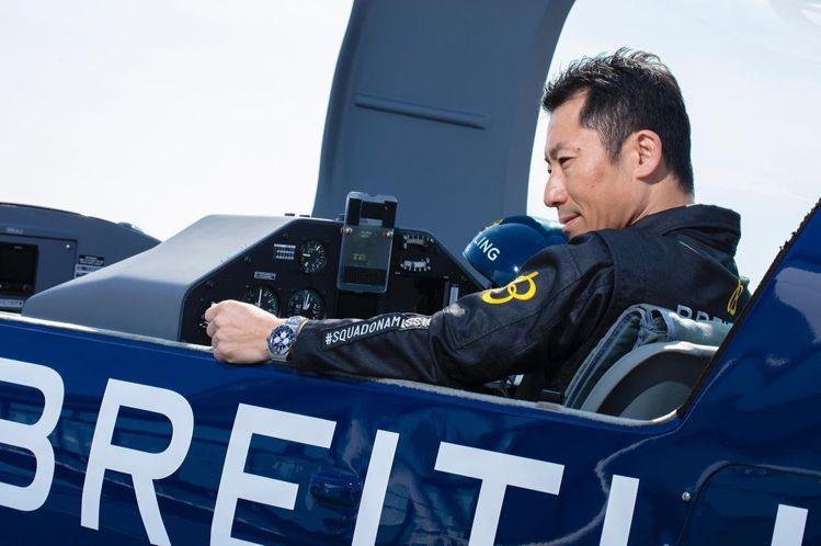 日本飛行員室屋義秀(Yoshi Muroya)日前在官方instagram帳號中...