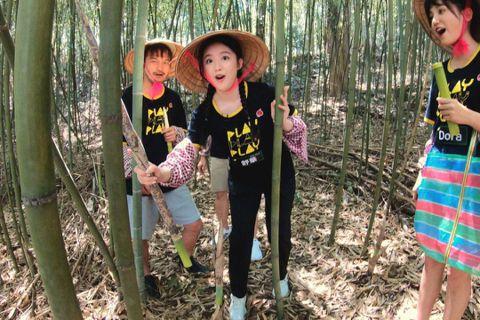 台灣女孩葉舒華在韓國以團體(G)I-DLE出道,放假回台後將唯一的電視節目通告獻給了「綜藝玩很大」。日前吳宗憲和節目粉絲團開直播,提前讓這個驚喜曝光。製作單位對於舒華參加錄影一事完全保密到家,直到開...