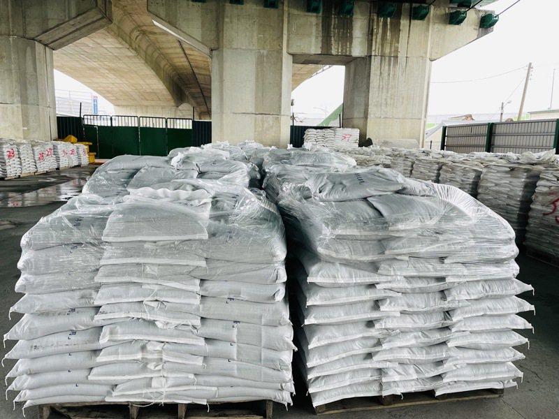 台中市政府已備妥沙包20000包,同步通知區公所沙包發放作業。圖/中市府水利局提供