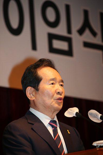 70歲的南韓前國務總理丁世均、想代表執政的民主黨參選總統,他說,南韓重視長幼有序。歐新社