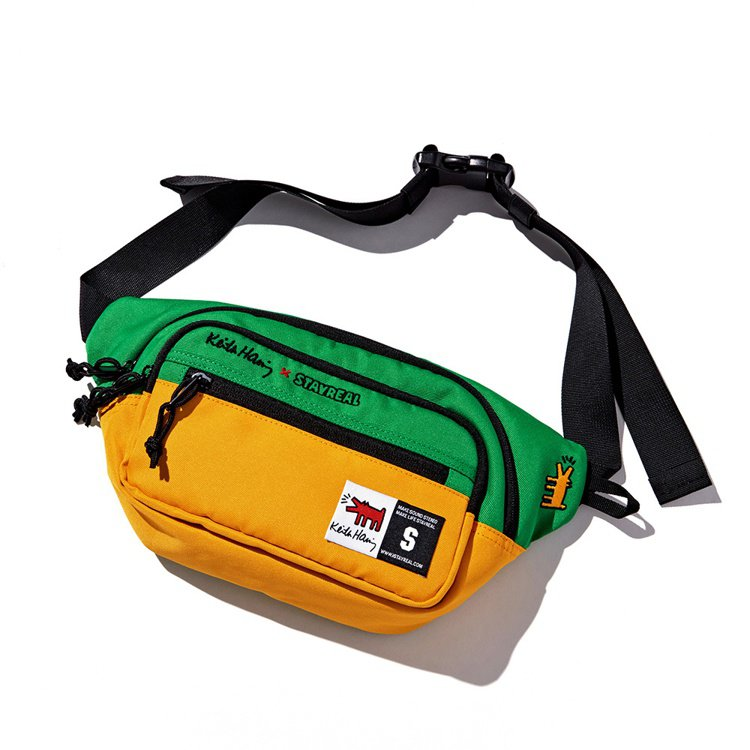 Stayreal與Keith Haring聯名系列吠叫的狗撞色腰包1,280元。...