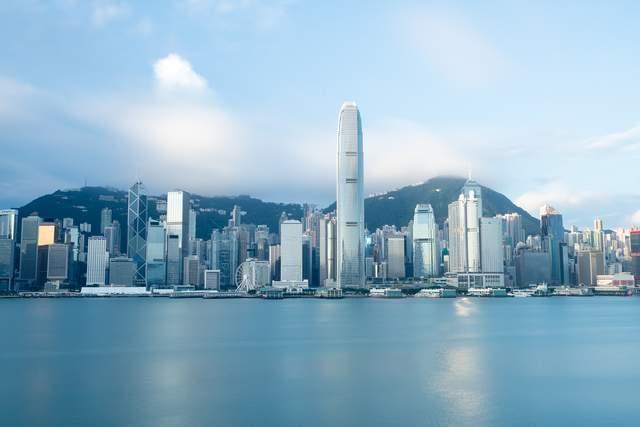 一些全球性銀行、基金和其他金融服務提供商正在香港積極招募人才。圖/取自新浪網