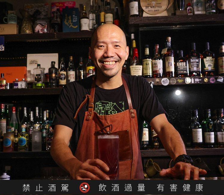 「Digout」調酒師李威運,他以來自沖繩的ORION啤酒為素材,抓到簡單公式,...