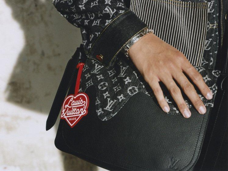 可愛的紅色愛心,來自Nigo自創品牌Human Made的代表符號。圖/LV提供