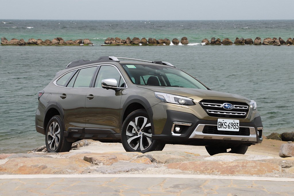 外觀看似與舊款差異不大的全新第六代Subaru Outback,其實內在有相當多...