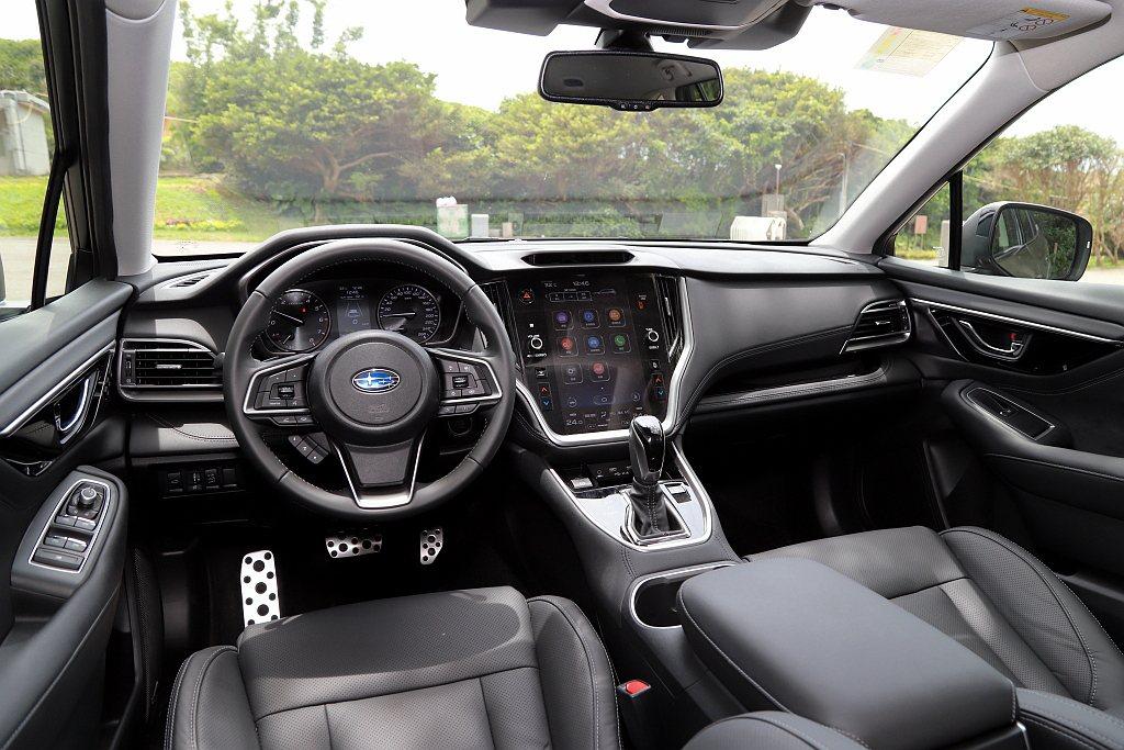 全新Subaru Outback內裝中央多功能觸控螢幕尺寸提升至11.6吋並為直...