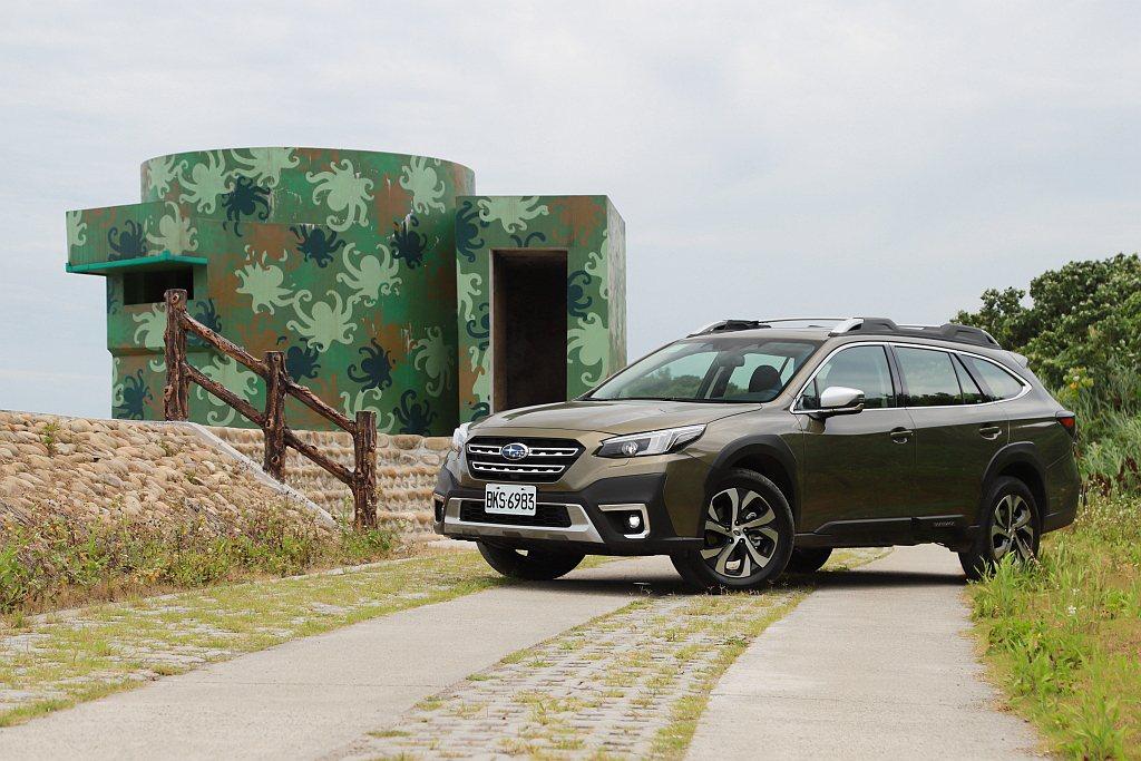 全新Subaru Outback持續固守「多功能跨界」市場並在安全防護系統、路面...