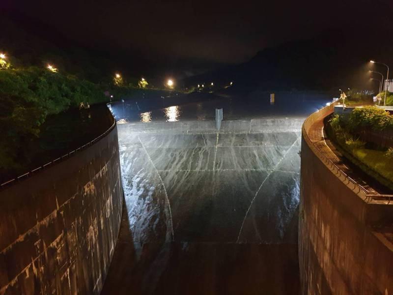 豪雨員山子分洪122萬噸,降基隆河洪峰保住瑞芳七堵汐止。圖/十河局提供