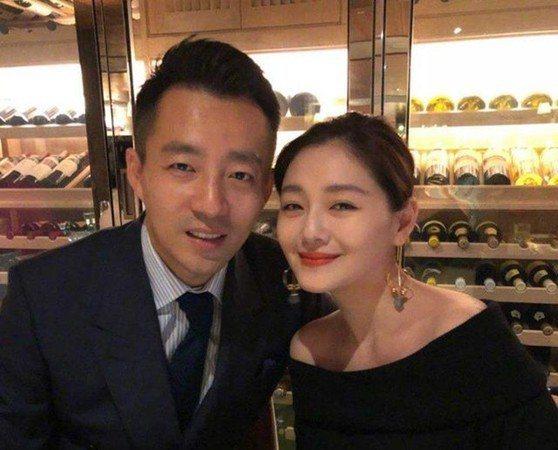汪小菲、大S(右)婚姻走了10年傳巨變。圖/摘自微博