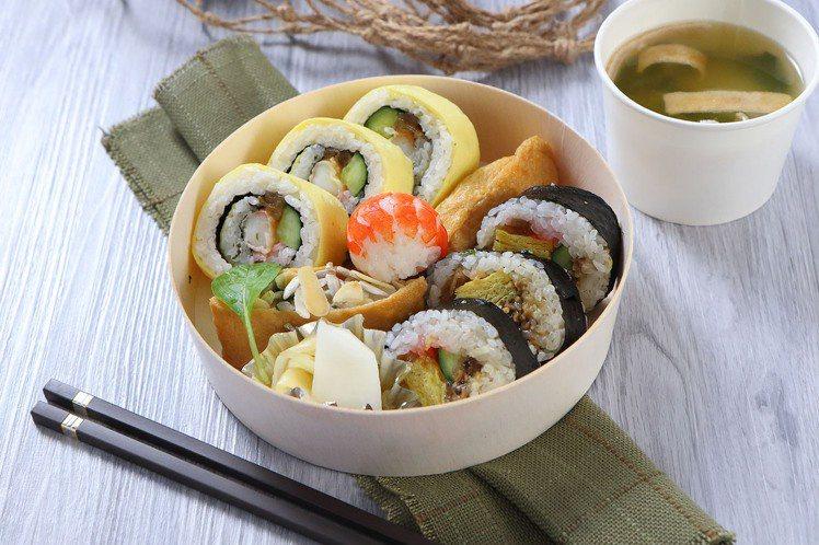 外帶餐盒選項多,服務也更多元化。圖為台北老爺的單人份綜合壽司盒。圖/台北老爺提供