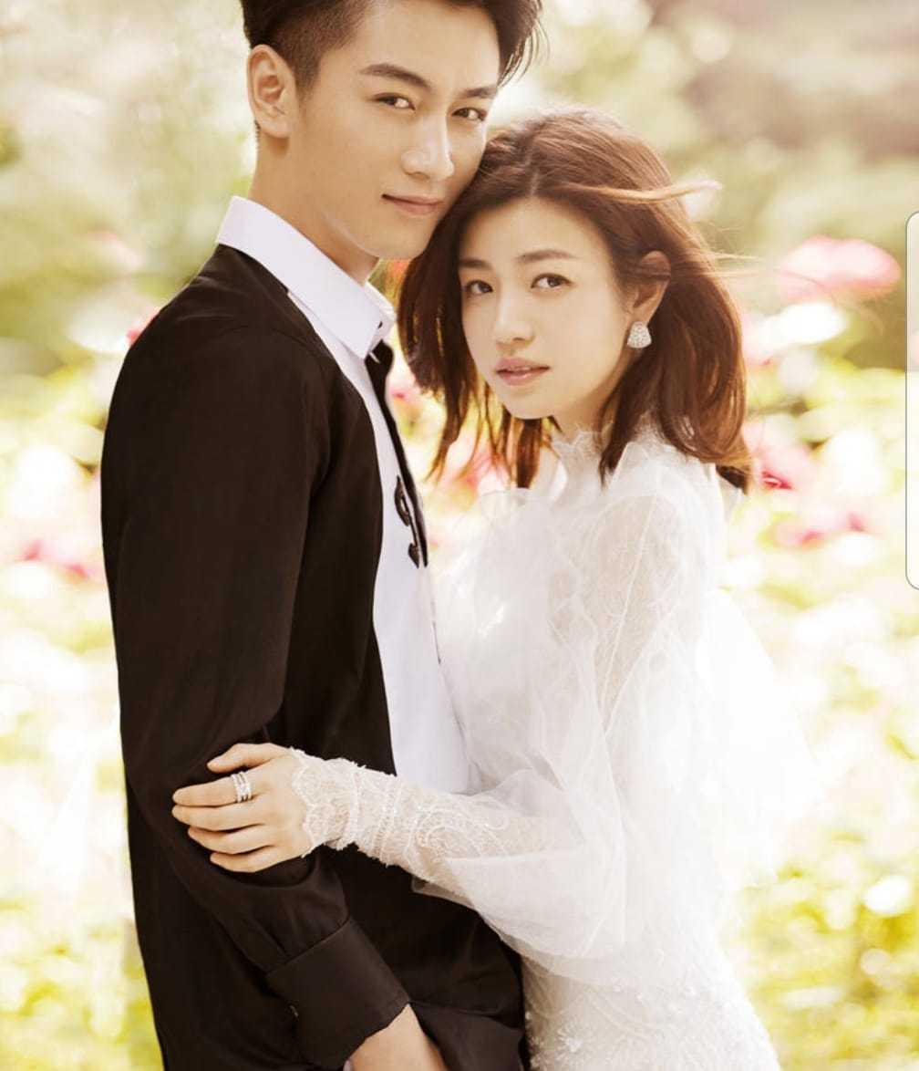 陳妍希(右)和陳曉這段兩岸婚最常被唱衰,但兩人感情至今仍甜蜜。圖/摘自臉書