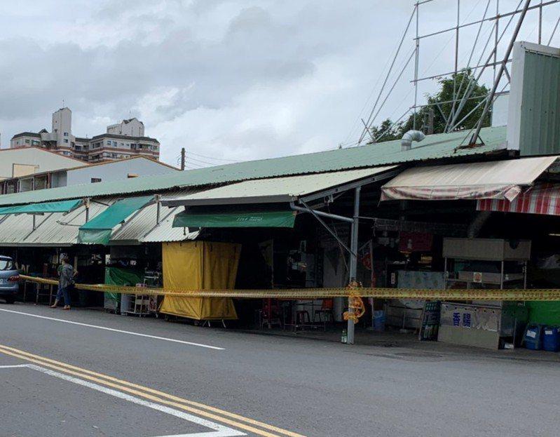 台南佳里第一黃昏市場攤商確診,先停業3天全面消毒。圖/市府提供