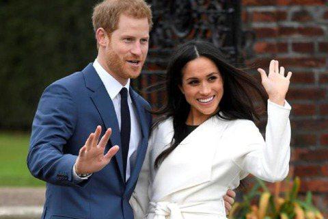 英國哈利王子與妻子梅根三番兩頭砲轟皇室,惹得不少英國民眾視它們如公敵,對他們不是批評就是詛咒,竟然有人在此時「逆風向」,對他們的婚姻做出美好預言,這人還不是別人,就是哈利母親黛安娜生前的命理師好友莎...