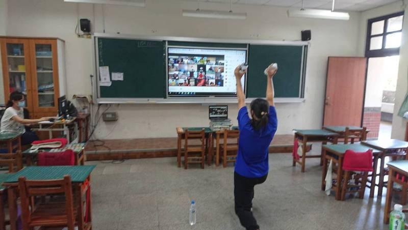 停課不停學是否會延到暑假,台南市教育局已做好因應。記者鄭惠仁/攝影