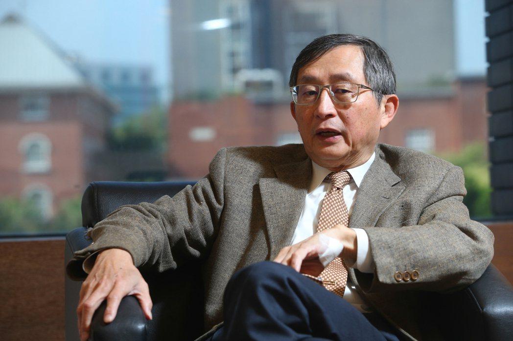 陽明大學公衛研究所兼任教授張鴻仁。記者葉信菉/攝影