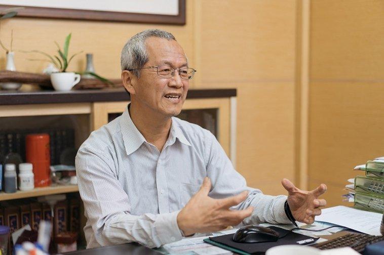 陳乾原表示,自己未來也打算預立醫療決定。若將來發生重度失智、末期疾病等不可逆轉的...