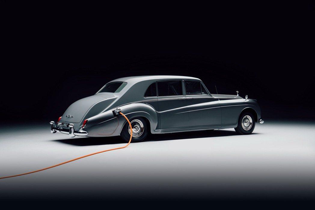 Lunaz Design已經成功改造出許多款電動化經典車。 摘自Lunaz