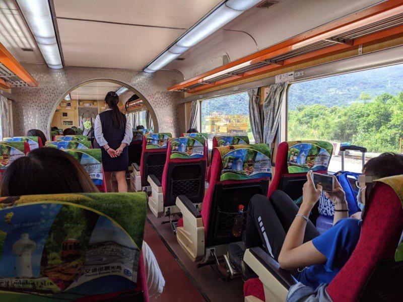 端午連假將至,台鐵、台灣高鐵的連假車票熱賣,各界擔心致使疫情南北移動擴散。示意圖,非新聞當事人。本報資料照片